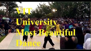 Most Beautiful Dance by Indian Girls in VIT University | Flash Mob 2016