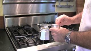 Bialetti Moka Express Review and Demonstration
