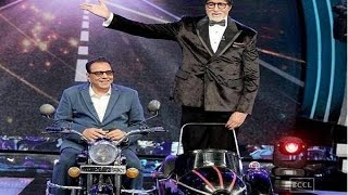 Amitabh Bachchan and Dharmendra recreate the iconic