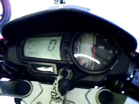DAFRA APACHE 150cc mostrando detalhe