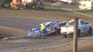 Late Model driver gets upset at Merritt Speedway on 06-09-16.