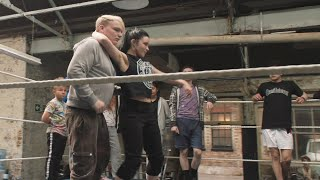 """The stars of """"Fighting with My Family"""" learn what it takes to be a WWE Superstar"""