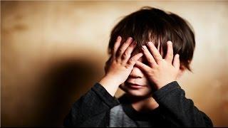 لماذا يضع الطفل يده على عينه أثناء الشعور بالخوف أو الإحراج ؟
