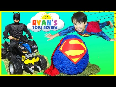 Download Ryan opens Giant Superman Surprise Egg