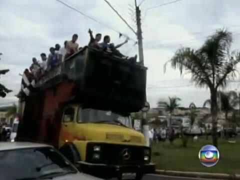 Flagrante mostra acidente com time de futebol durante festa no interior de São Paulo