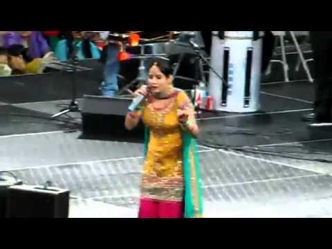 Sexy Chamari Miss Pooja