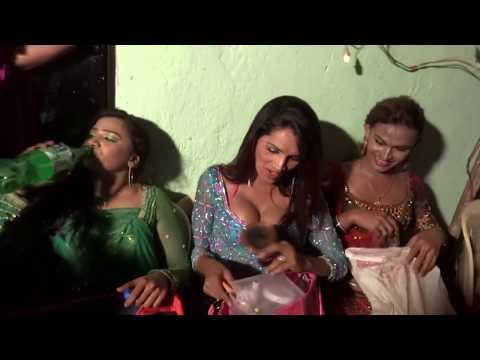 Ladyboys of Mumbai   Dance of Eunuchs