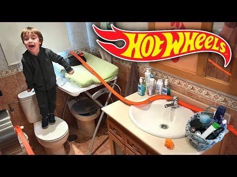 Xxx Mp4 HOT WHEELS NO BANHEIRO Corrida De Carros Na Pista Track Builder Hotwheels In The Bathroom 3gp Sex