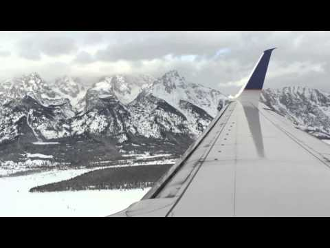 Incredible view landing into Jackson Hole on United Airlines Boeing 737