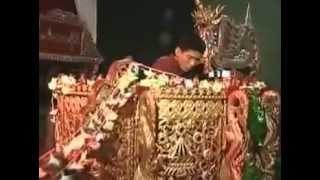 အကယ္ဒမီ ျမန္မာျပည္ေက်ာက္စိမ္း တကုိယ္ေတာ္Burmese Circle Drums Virtuoso (Pat Waing)