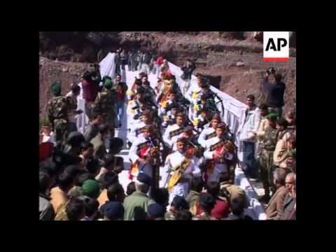 New bridge linking Indian and Pakistani Kashmir opens