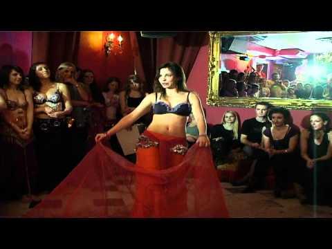 Aktywacje Seksowny taniec brzucha. Jak się tego nauczyć