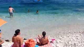 Bagnanti travolti da un'onda anomala all'isola d'Elba