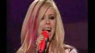 avril lavigne amazing canadian idol performance :o ..