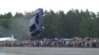 """Must see: """"Flying cars"""" stunt show in Vilnius (World record) loop"""