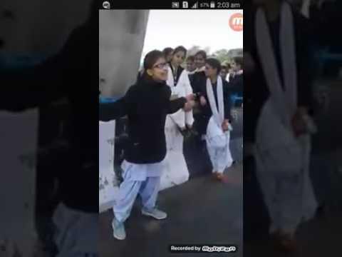 pakistani girl singing