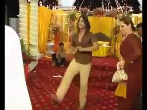 pAKISTANI WEDDING,BOY DANCING ON HIS MENDII BY FAIZAN KHAN