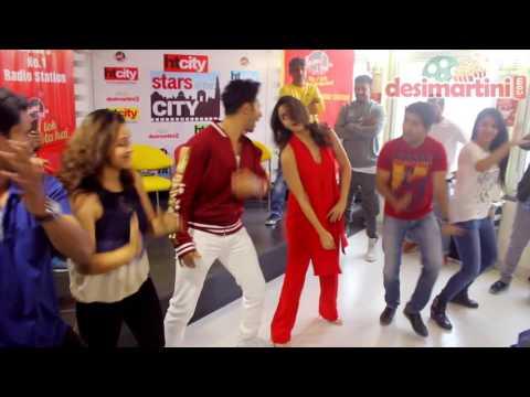 Xxx Mp4 Alia Bhatt Amp Varun Dhawan Groove To Badri Ki Dulhania At StarVaarWithBKD 3gp Sex