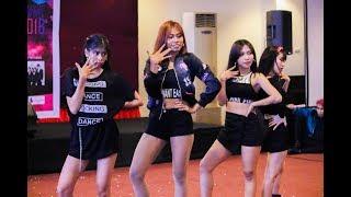 %5BSo+Hot%2C+Boombayah%5D+Pink+Panda+at+Makassar+KPOP+Fest+2018+%2820+Jan+18%29