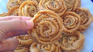 حلويات رمضان: طريقة تحضير شباكية الوردة بشكل راقي هشيشة وتدوب في الفم