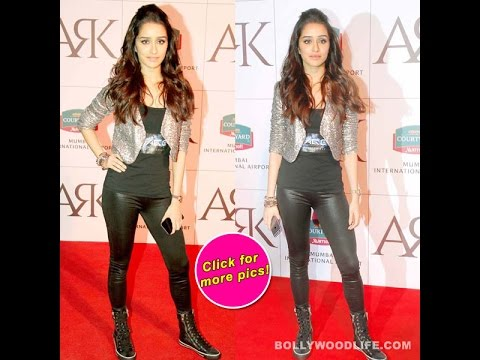 Xxx Mp4 WOW Shraddha Kapoor Turns Heads In A Pair Of Sexy Leather Pants My Review 3gp Sex