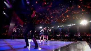 Rihanna - Umbrella (Live) at The World Music Awards -22-11-2007- (HDTV 720p)