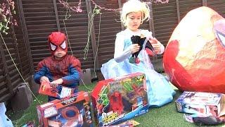 Spiderman toys GIANT EGG Frozen Elsa Spiderman Web Shooter スパイダーマン たまご おもちゃ ウェブシューター
