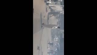 حرامي يسرق سيارة من المعرض