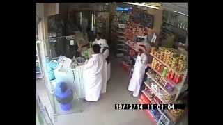 Caught on CCTV: Thief stealing money from hypermarket during juma