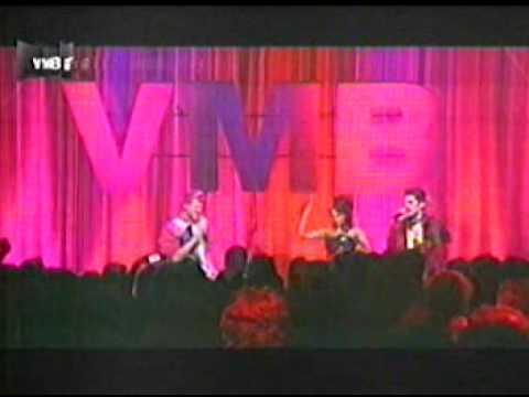 Garotas Suécas, Banda Uó e GABY AMARANTOS - VMB 2011
