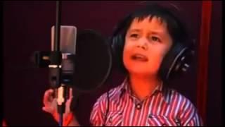 asghar_oslo_آواز خواندن یک پسر بچه افغانی با پر از احساس  و شور و شوق