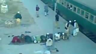 Idiot Pakistani amazing qutiapa