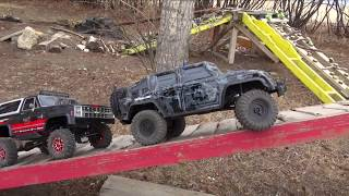 Backyard Trail Park - Two Guys Playing with RC 4x4 Trucks - Vaterra & Traxxas