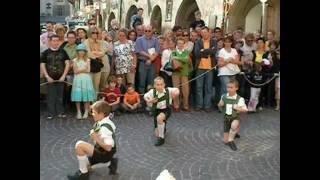 اجمل رقصة اطفال في انسبروك/ تيرول/النمسا     Plattler Hiatabua Tirol, Innsbruck, Austria