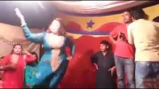 Bold Guy vs Dance Girl (Freestyle Techno / House Battle)