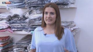 مبادرة خيرية لتوزيع ثياب العيد في لبنان