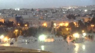 مقطع فيديو مصور من فوق قبة الصخرة المشرفة