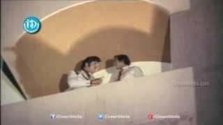 Siripuram Monagadu Movie - Suthivelu, Krishna, Jayapradha Action Scene