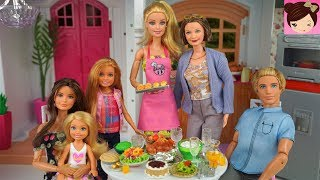 Barbie Sisters Celebrate Thanksgiving Holiday Dinner -  Doll Supermarket and Barbie Pink Kitchen .