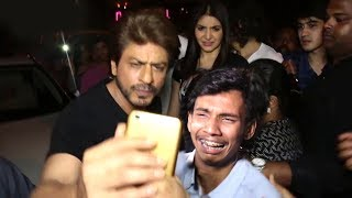 Shahrukh Khan's Sweetest Gesture For Fan CRYING Madly After Seeing Him In Public
