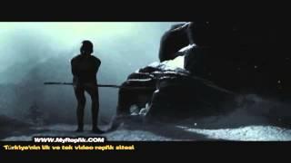 300 Spartalı - Leonidas'ın savaş eğitimi aldığı sahne - MyReplik.com