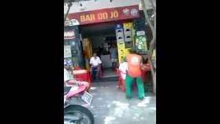 Susto no bar - Video muito engraçado