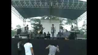 Lavelina live perform - Aku Jatuh Cinta by Supernova