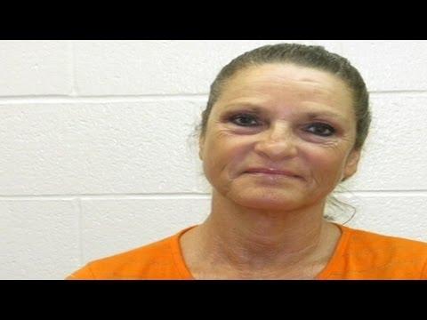 Prisoner Who Escaped Arkansas Prison Still at Large but His Mom Was Arrested