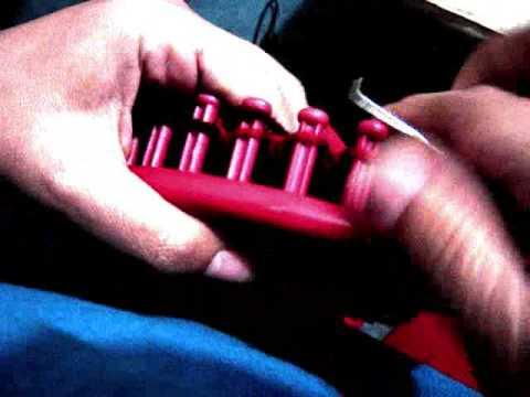calcetin en telar rojo redondo circle loom sock