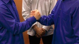 Ellen Analyzes a Presidential Handshake