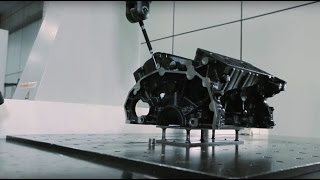 Inovação na indústria: liga metálica para motor de automóvel