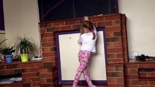 Little girl cool dance!