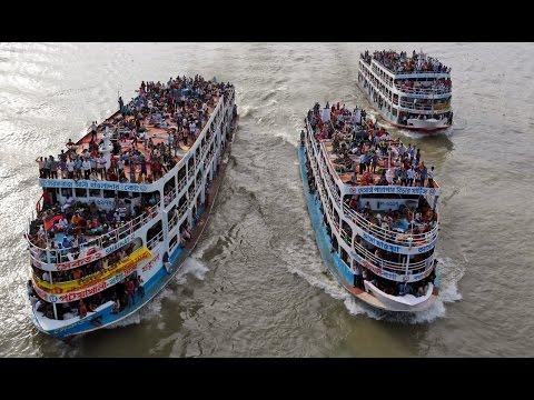 Xxx Mp4 সুন্দরবন ১২ লঞ্চের সাথে গ্রীনলাইন লঞ্চের সেইরাম প্রতিযোগীতা Sundarban 12 MV Green Line Launch 3gp Sex