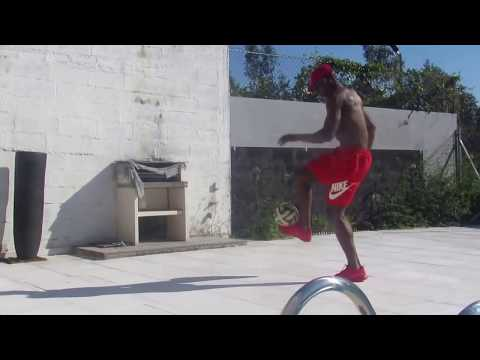 freestyle  foot Willy boly